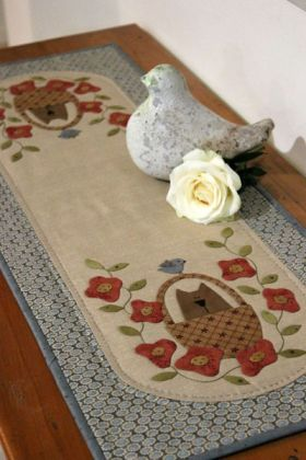 Sweet Pea Tablerunner